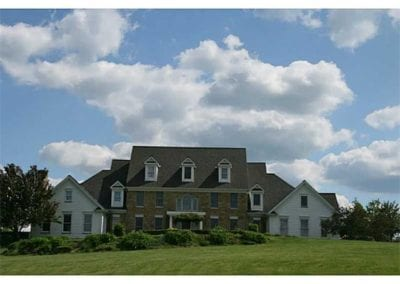 138 Carriage Hill Drive $900,000